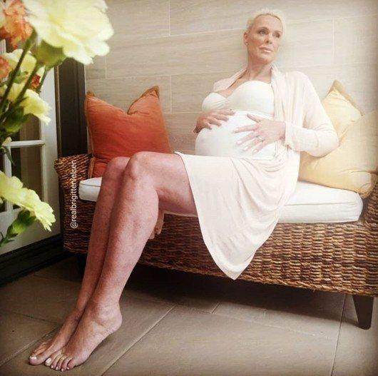 54歲女星布莉姬特尼爾森為第五任丈夫德西生下一女。圖/摘自IG