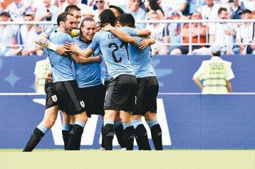 壓著俄羅斯打 烏拉圭3:0搶下分組龍頭晉級