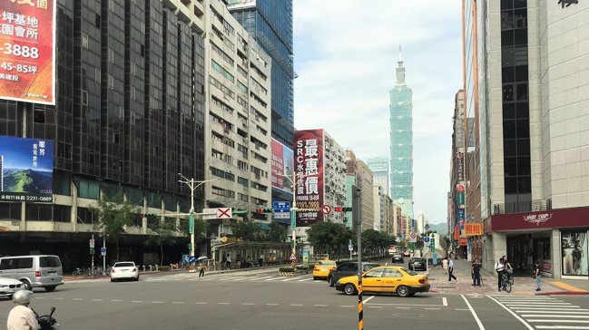 去年預售、新成屋一手市場的新建案多數讓利銷售,成功刺激出買氣。 記者游智文/攝影