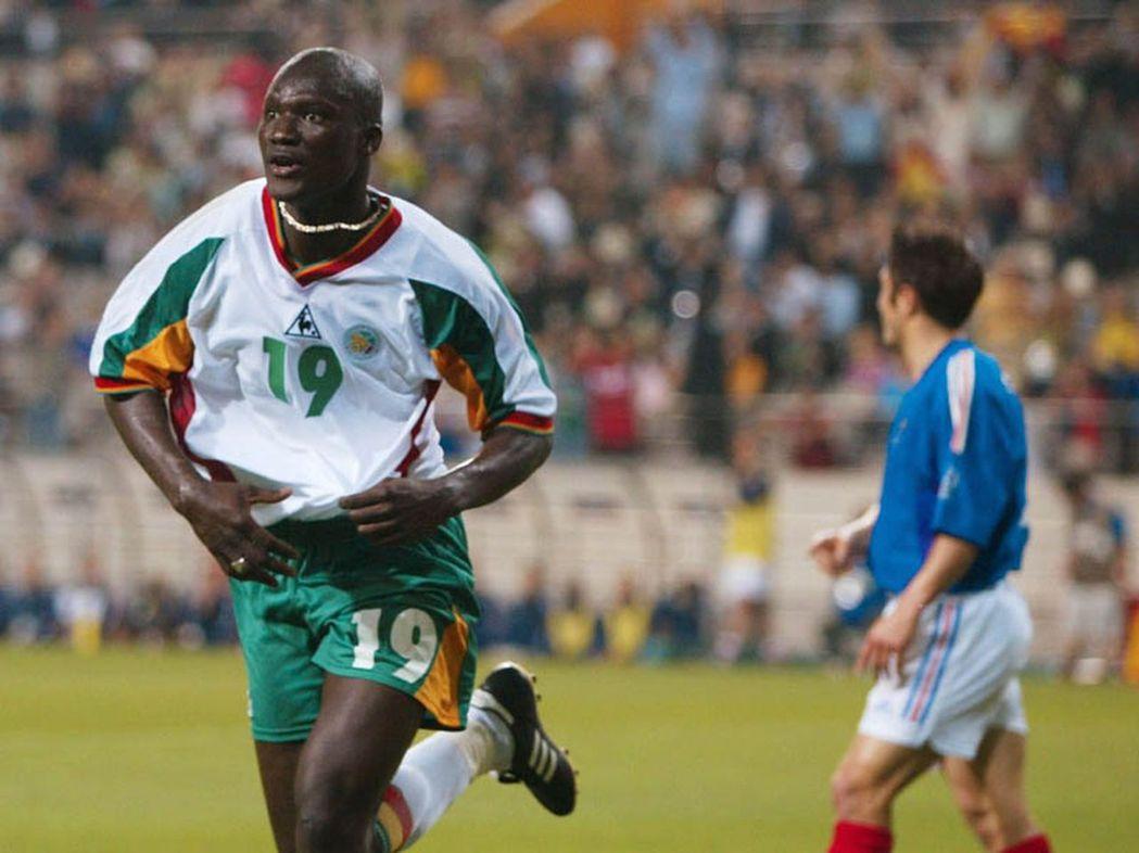2002年塞內加爾在小組賽擊敗衛冕軍法國,並殺入八強。 圖/取材自世足官網
