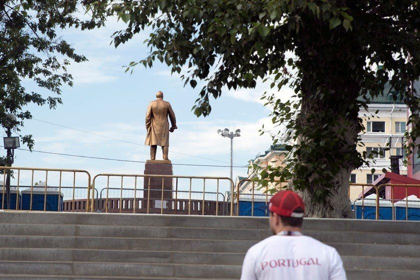 向左走向右走,差很多!如果跟著列寧的指示往左邁進,恐怕會進入慘烈廝殺的戰場之中。...