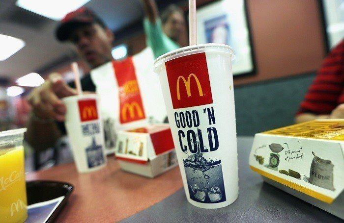 有網友認為只有用一杯可樂賠罪,實在太寒酸了(示意圖,非當事可樂) 圖片來源/聯合...