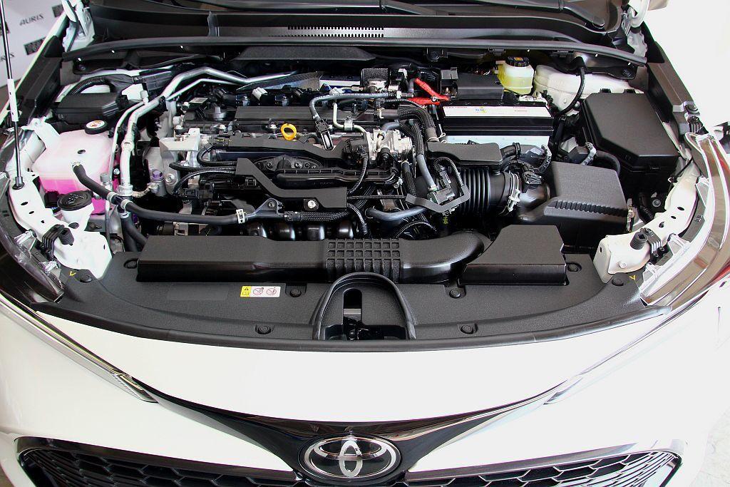 這具2.0L汽油引擎,雖然採用自然進氣設定,不過在諸多內部新設計與燃油直噴系統挹...
