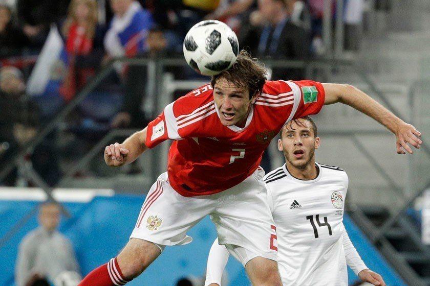 費爾南德斯(左)雖然是為俄羅斯隊效力,但他原本是巴西人。 美聯社
