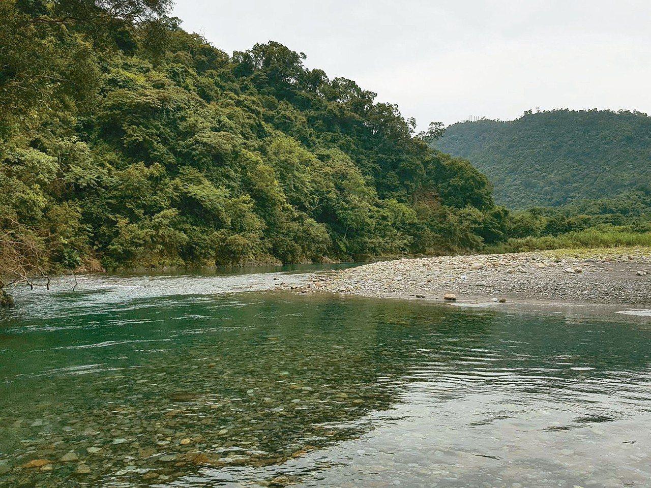 宜蘭縣政府整治武荖坑新城溪中上游,7月1日起將開放戲水。 圖/宜蘭縣政府提供