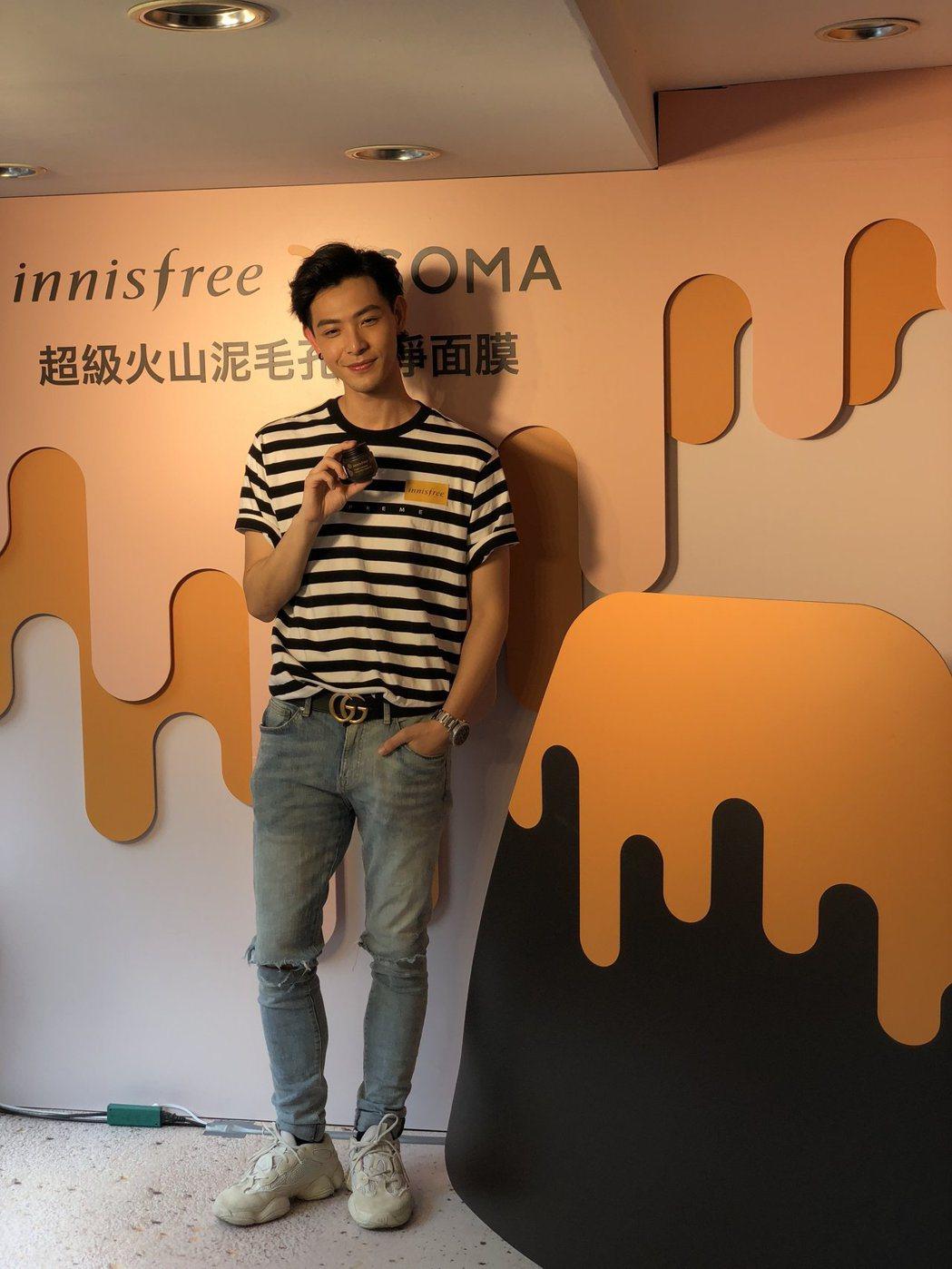 晨翔出席活動,表示自己仍和過去團員聯絡。記者楊起鳳/攝影