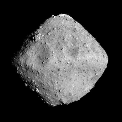 日本太空總署準備在未來1年半進行探測任務的小行星「龍宮」,外形有如算盤珠子。(路...