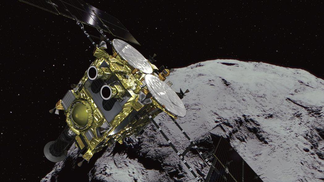 電腦畫面顯示,日本太空總署的太空探測器「隼鳥2號」抵達小行星「龍宮」附近的目標位...