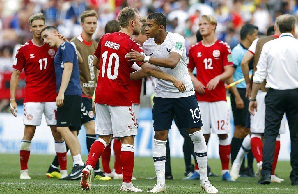 法國、丹麥0:0踢和,攜手晉級16強。 美聯社