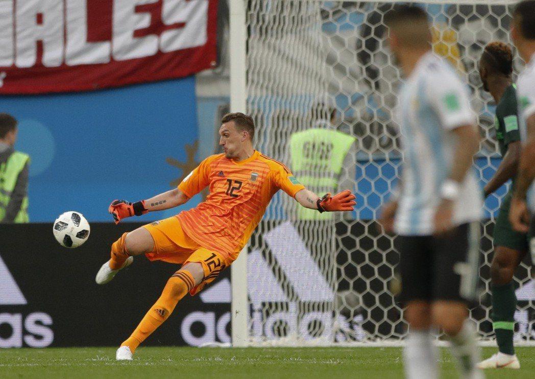 阿根廷在背水之役找來從未旅歐的球員阿尼守門。 美聯社