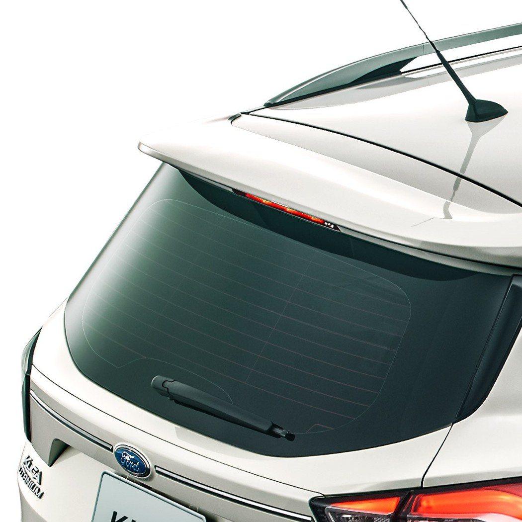 新增勁速後擾流尾翼等多樣空力套件,並可自由搭配Ford Kuga多款豐富車色。 Ford提供
