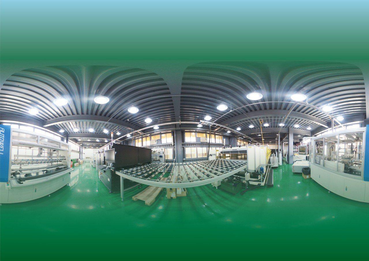 太陽光電模組廠全景 健行科大/提供。