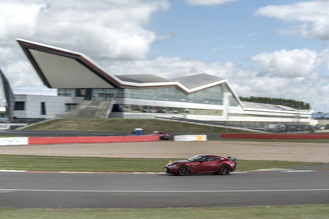 Aston Martin一直以來都和銀石賽道有密切的合作。 摘自Aston Martin