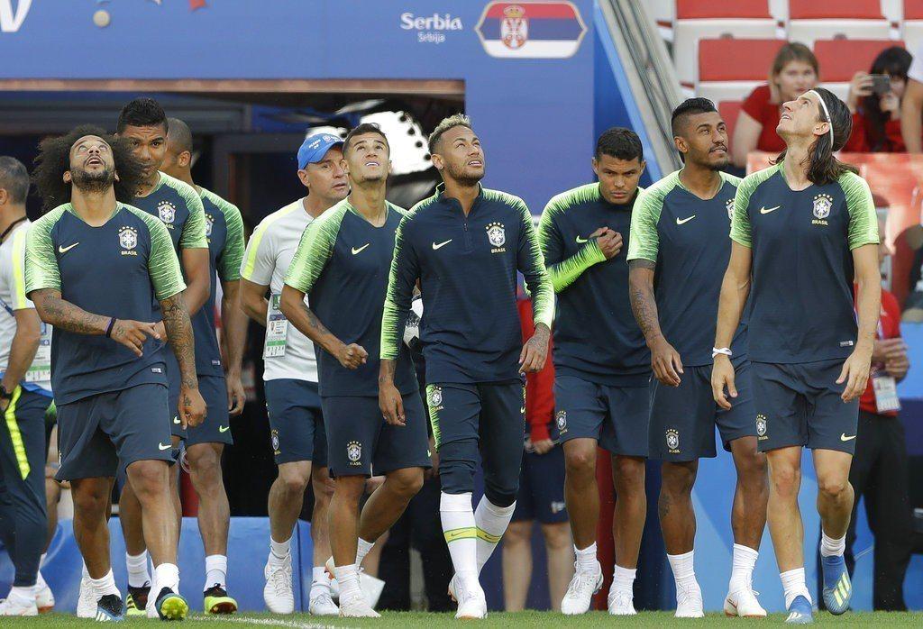 前一場絕殺對手讓巴西信心滿滿,此役勢必更會積極搶攻奪勝,爭取分組第一。 美聯社