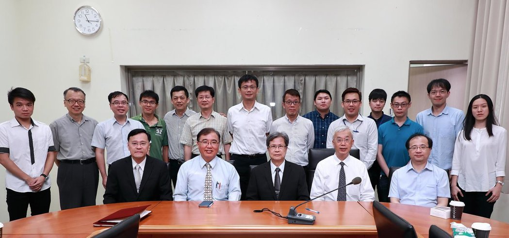 臺北大學與中國探針團隊合影。 臺北大學/提供。