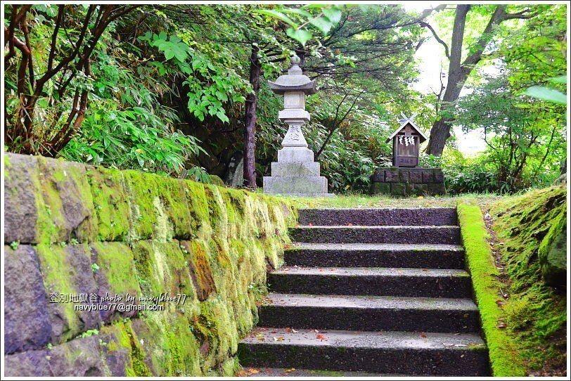 ↑1泉源公園的對面是湯澤神社,主管此地的溫泉,所以到這裡泡湯應該要上去參拜一下。