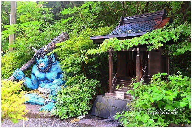 ↑1地獄谷導覽圖旁的一隻鬼,地獄谷風景區內有多隻鬼雕像可以收集。