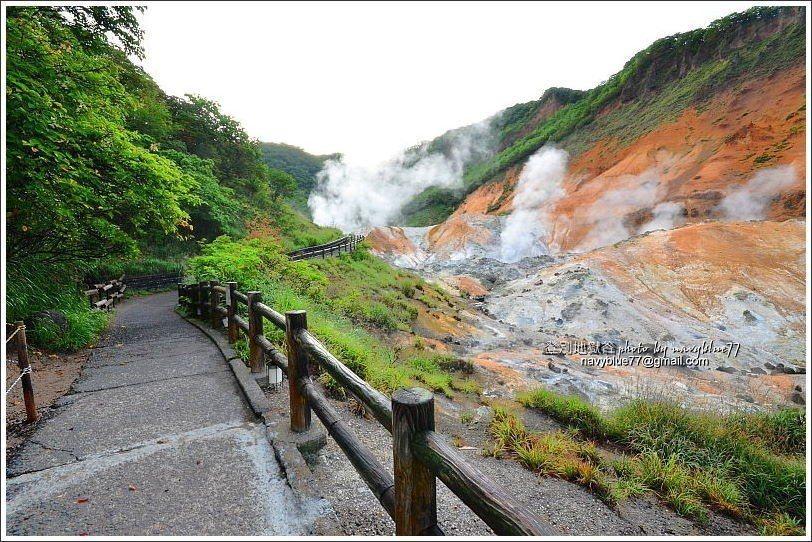 ↑地獄谷遊步道,前往鐵泉池。