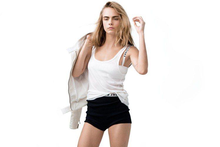 迪奧超級夢幻美肌氣墊粉餅全新代言人卡拉迪樂芬妮。圖/迪奧提供
