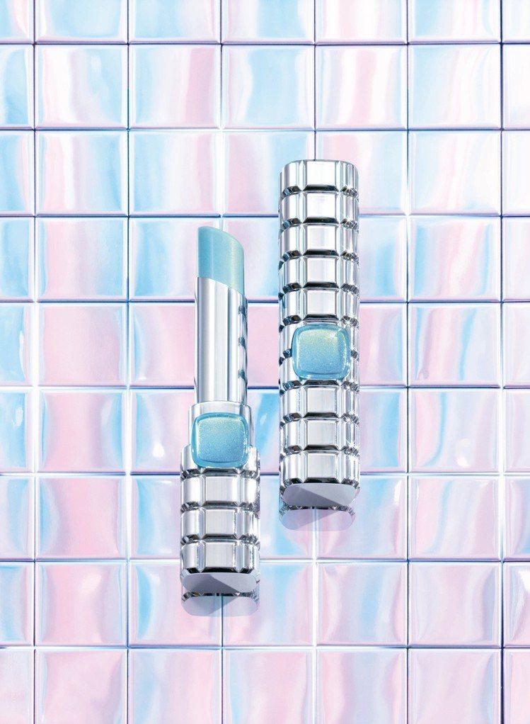 巴黎萊雅絕對霓光獨角獸唇膏是市面上第一款添加星燦霓光粒子的唇膏。圖/巴黎萊雅提供