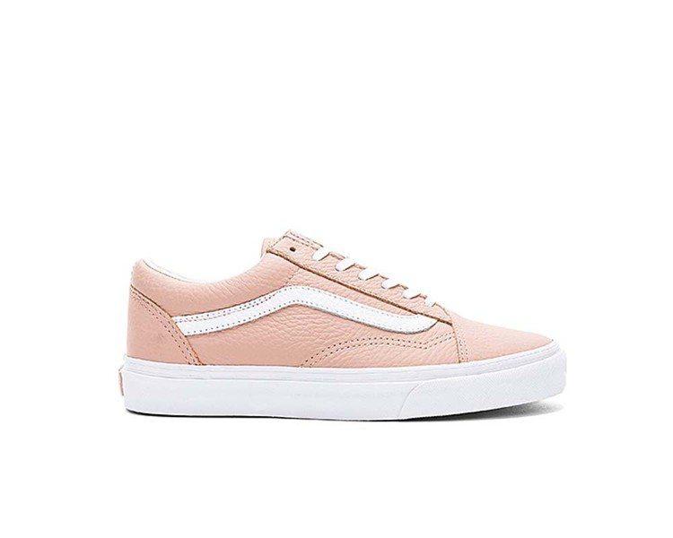朴海鎮穿的VANS Pink Old Skool款式。圖/取自Sneakers4...