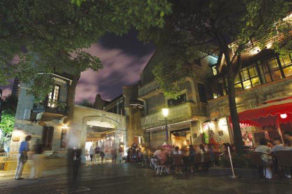 上海素有「夜上海」美名,但「夜間餐飲」同樣成為痛點。 圖/摘自網路