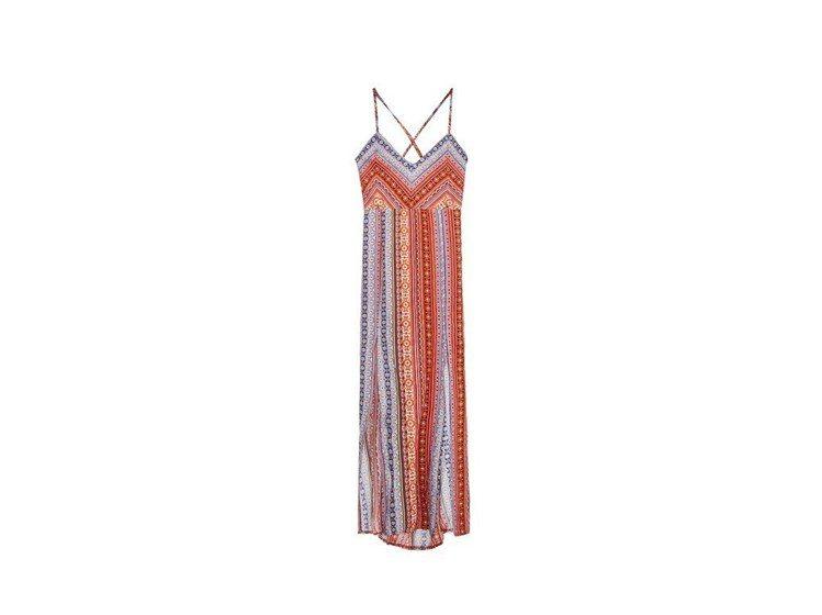 海灘相關配件或是海灘裙裝也是WAVE SHINE推出的新品之一。圖/WAVE S...