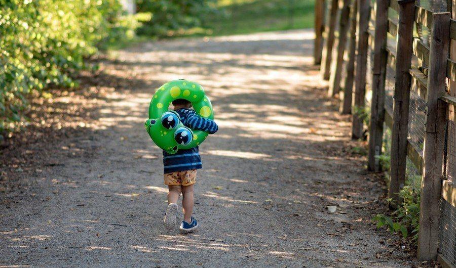 英國杜倫大學研究發現,童年環境會影響成年男性的賀爾蒙濃度。(photo by w...