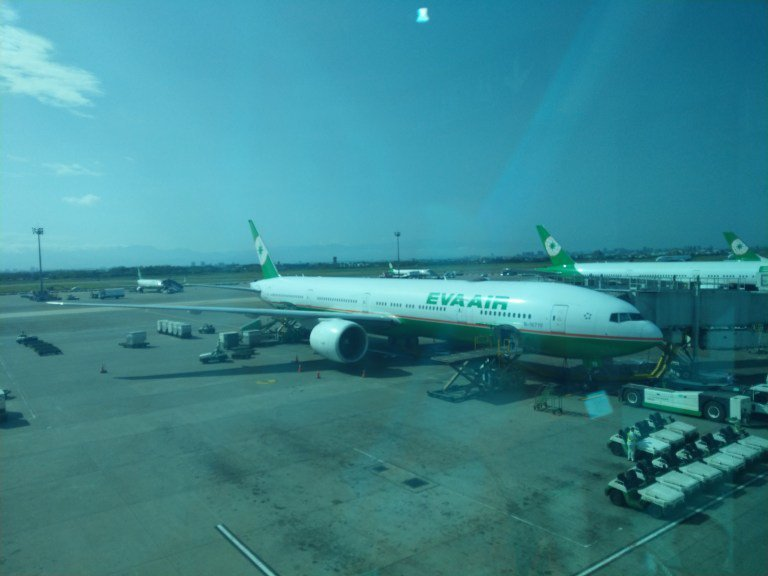 登機口拍的長榮航空飛機照 圖文來自於:TripPlus