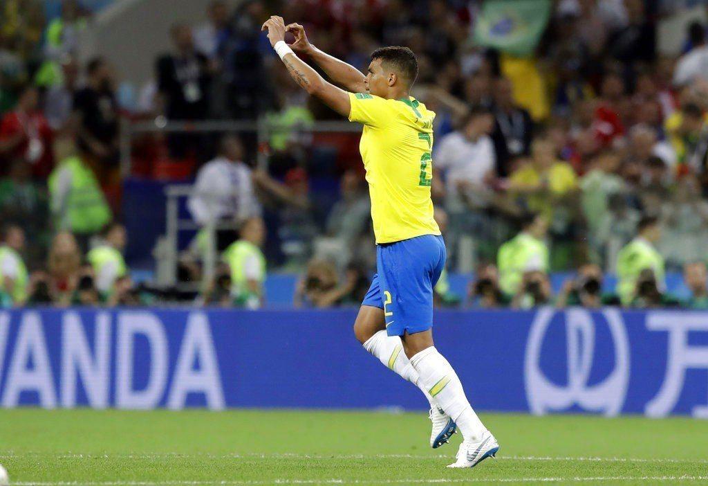 巴西席瓦慶祝進球。美聯社