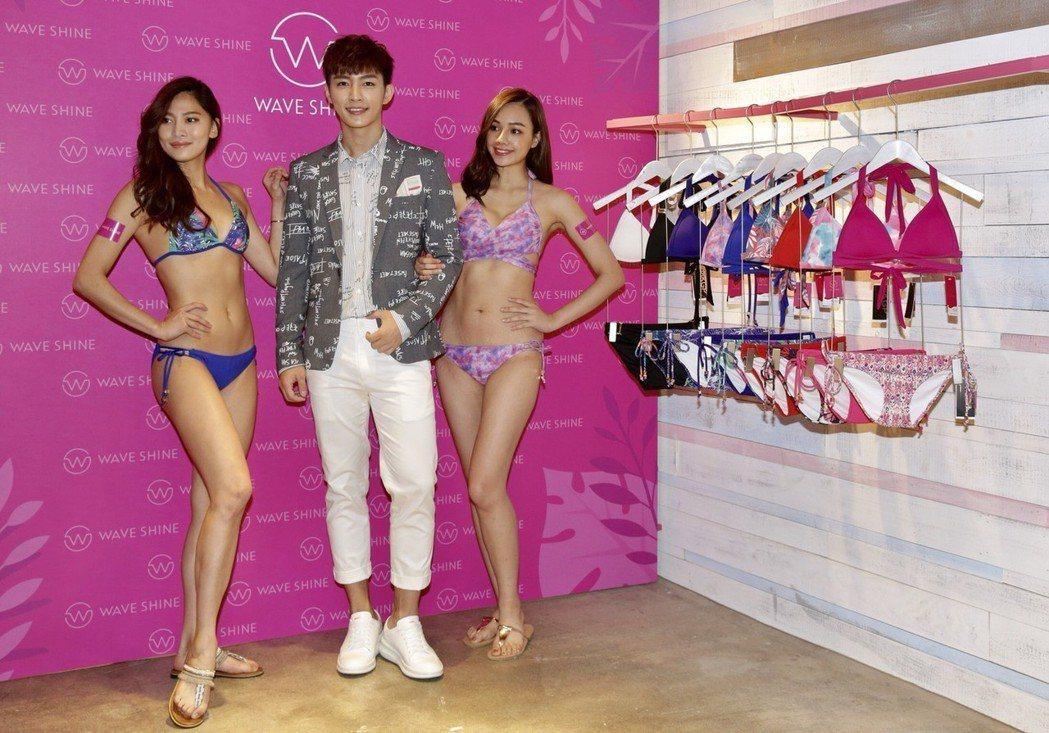 炎亞綸28日出席一日店長活動。記者許正宏/攝影
