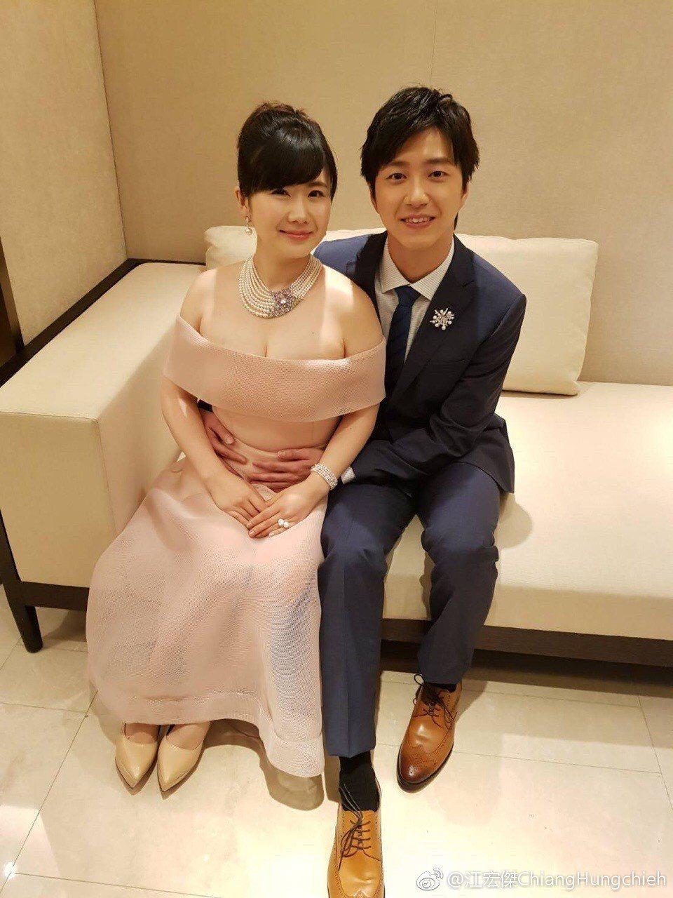 江宏傑(右)跟老婆福原愛首次錄製實境秀。圖/摘自江宏傑微博