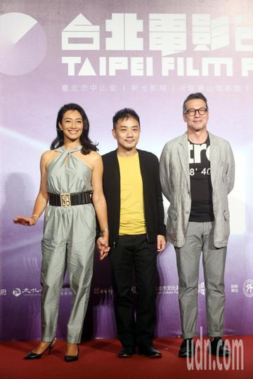 台北電影節開幕片《范保德》今天舉行亞洲首映記者會,《范保德》劇組代表導演蕭雅全和男女主角演員黃仲崑、王秀峰出席。