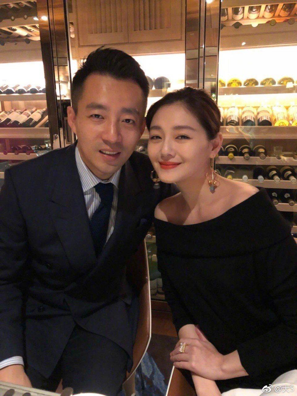 汪小菲(左)、大S結婚8年,婚姻甜蜜。圖/摘自大S微博