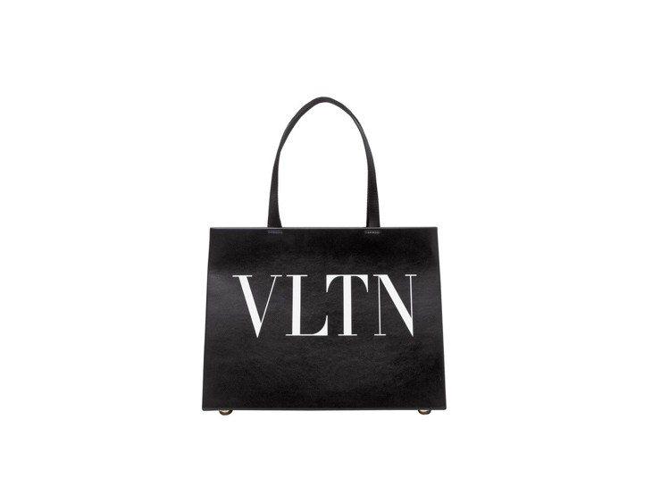 Valentino Garavani VLTN黑色托特包,售價43,800元。圖...