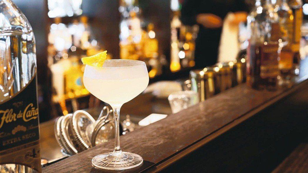 小後苑調酒以威士忌為基底發想,讓來的客人都能嘗試不同風味。 圖/高彬原、許正宏、...