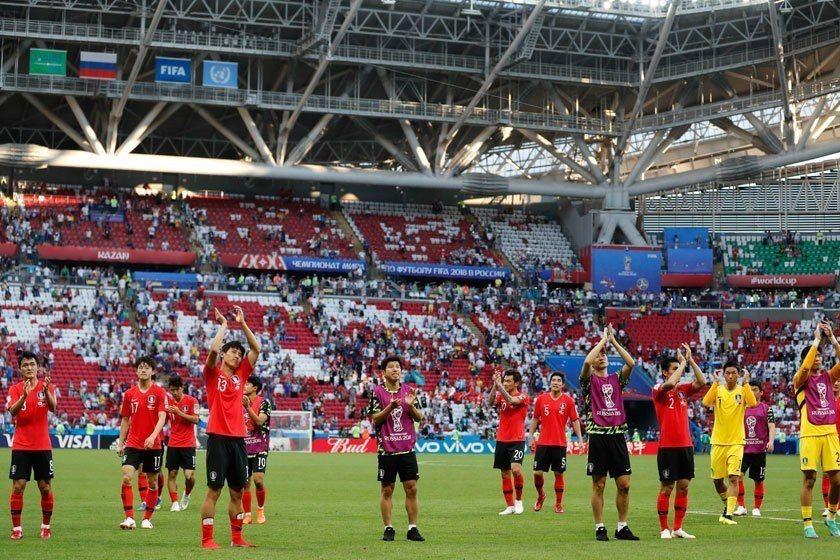 南韓雖然未能晉級16強,但最後一場絕殺德國的奮戰精神,贏得全世界球迷的掌聲。 美...