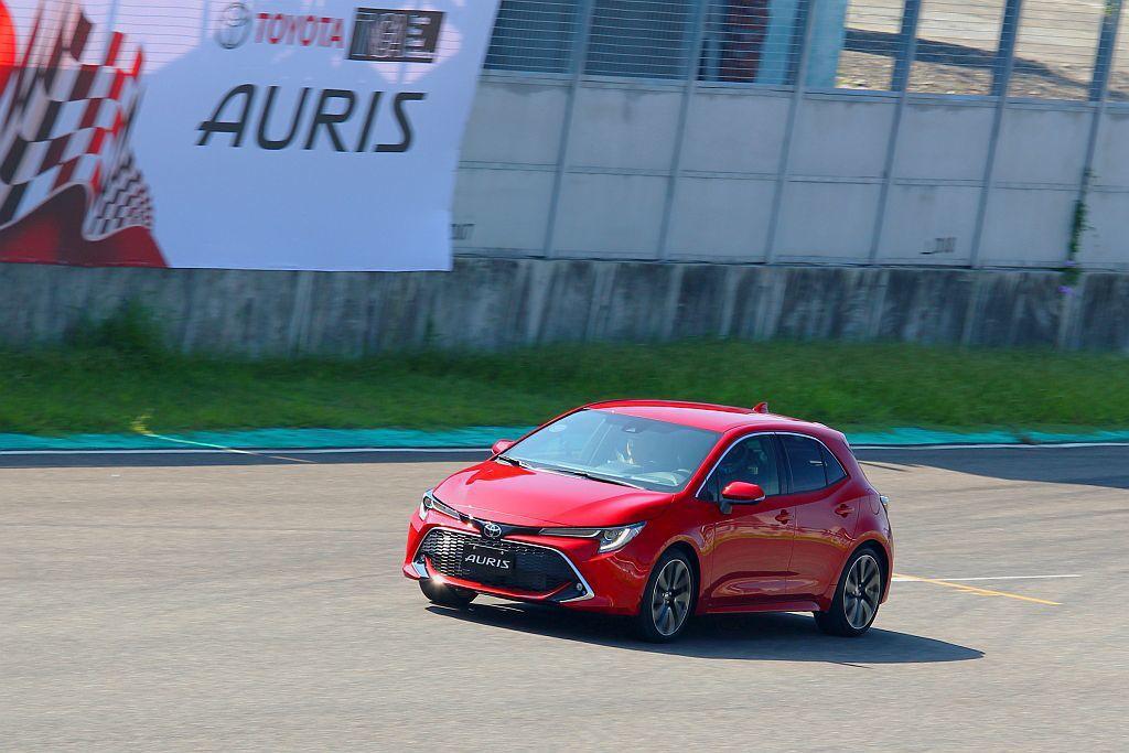 即將導入台灣的新Toyota Auris,沒有追隨歐規渦輪動力,採2.0L自然進...