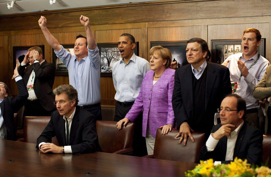 2012年G8領袖峰會的經典照片,當時英超的切爾西與德甲的拜仁慕尼黑正在歐冠決賽...