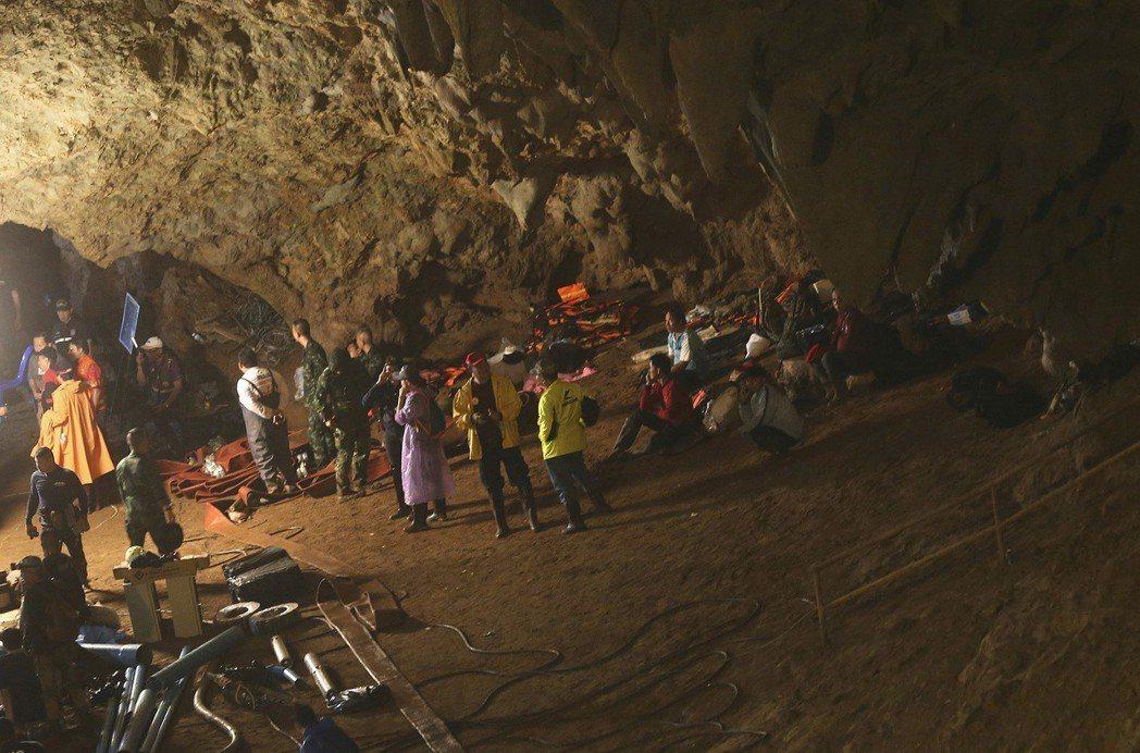 少年失聯的岩洞綿延超過10公里,是泰國第四大岩洞。 (美聯社)