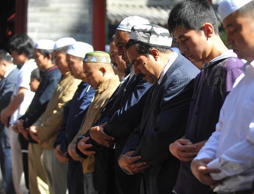 寧夏穆斯林歡度開齋節。取自新華網