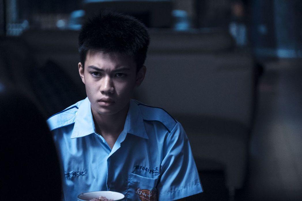 劉子銓演出「媽媽的遙控器」,第一次演戲卻讓老爸劉亮佐感動落淚。圖/公視提供