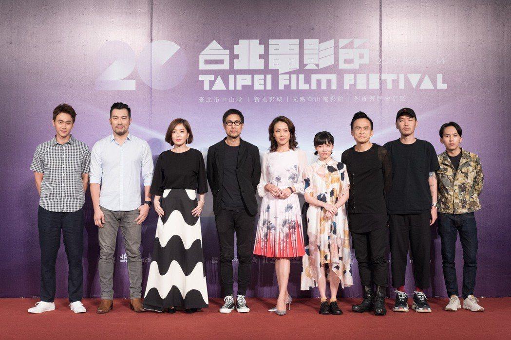 「小美」演員左起劉冠廷、邱隆杰、尹馨、導演黃榮昇、柯淑勤、饒星星、陳以文、張少懷