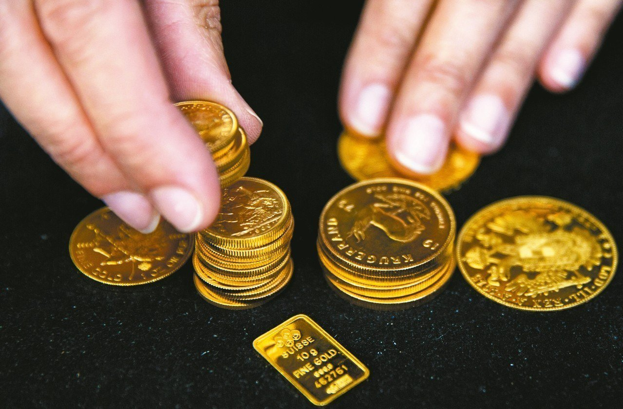 法人表示,上升的美國利率將進一步支撐美元的前景,對黃金前景恐有壓。 路透