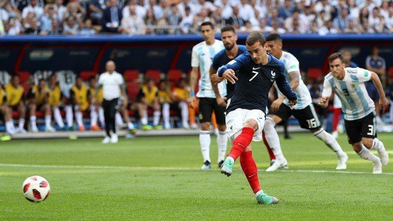格里茲曼罰進12碼球。 擷圖自FIFA官網