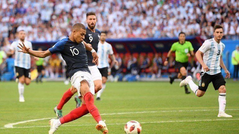 姆巴佩(10號)一人進兩球。 擷圖自FIFA官網