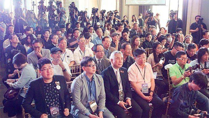 當天記者會來的朋友非常多。 王金文