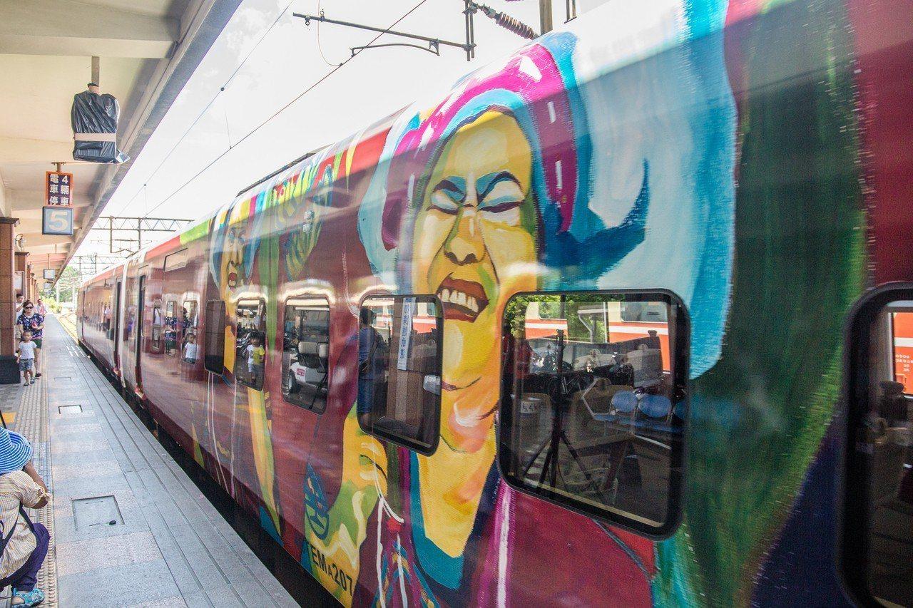 「洄瀾之星」普悠瑪列車每天從台北直達花蓮。記者蔡翼謙/攝影
