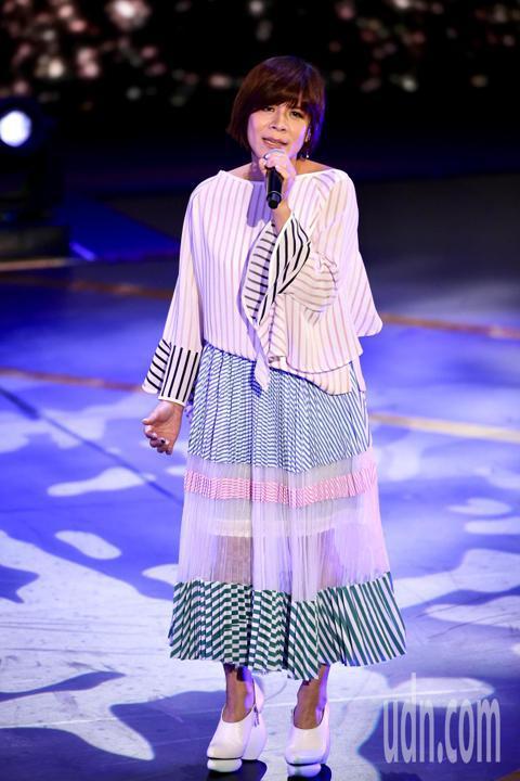 公共電視在國父紀念館舉辦「公視20 感謝有你」台慶晚會,江美琪演唱《我多麼羨慕你》