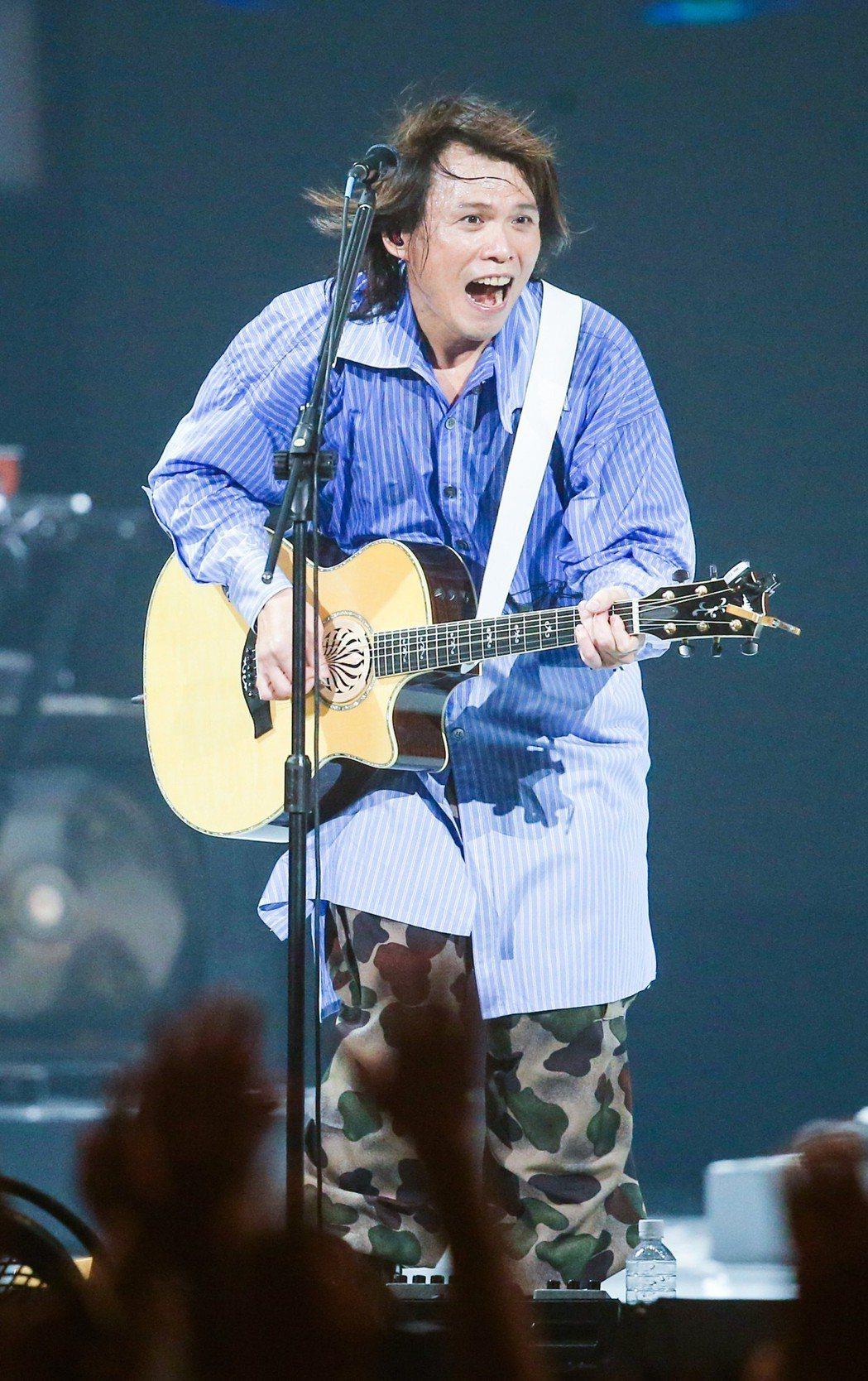 伍佰30日在台北小巨蛋開唱。記者鄭清元/攝影